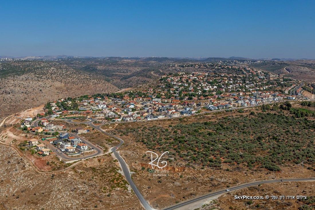 נוף כפרי ועירוני מהאוויר
